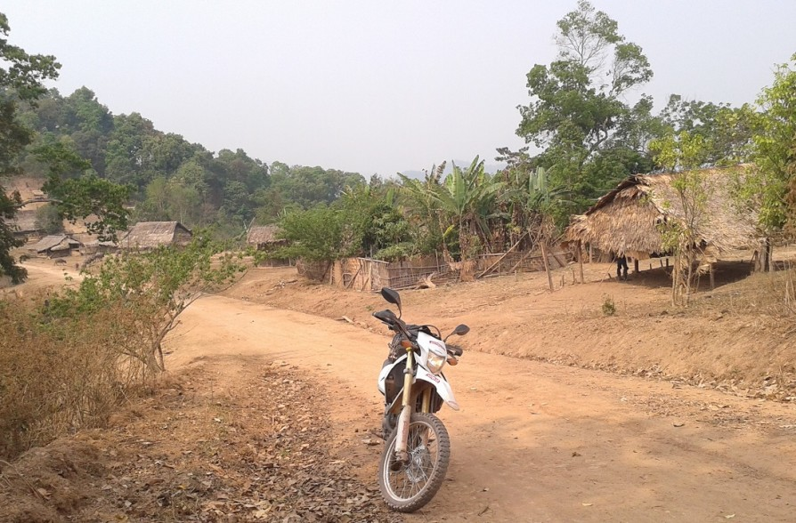 MOTOLAO motorcycle tour in Laos